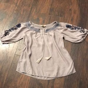 Tops - Cool Embroidered Shirt